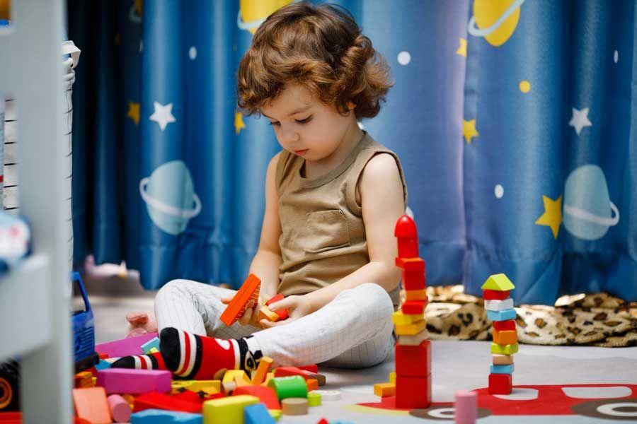 بازی درمانی کودکان اوتیسم
